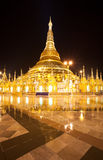 shwedagon rangon pagoda ночи myanmar Стоковая Фотография RF