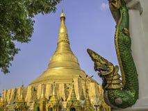 Shwedagon Stupa I royaltyfri foto
