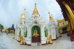 Shwedagonpagode in Yangon, Myanmar stock foto's