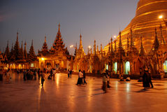 shwedagonyangoon Arkivfoto