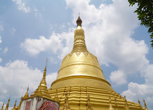 Shwemawdaw塔在仰光,缅甸 库存图片