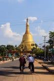 Shwemawdaw塔,在缅甸(Burmar)的Bago 库存照片