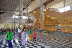 Shwethalyaung Buddha Arkivbilder