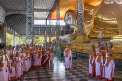 Shwethalyaung Reclining Buddha - Bago - Myanmar Fotografering för Bildbyråer
