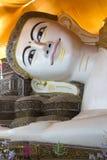 Shwethalyaung stützender Buddha - Bago - Myanmar Stockfotografie