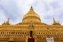 Shwezigon塔在Bagan缅甸 免版税库存照片