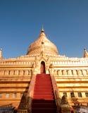 Shwezigon pagod Arkivfoto