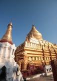 Shwezigon pagod Arkivbilder