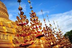 Shwezigon pagod som är berömd för dess bladguldstupa i Bagan Royaltyfri Foto