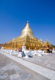 Shwezigon Pagode - alte Stadt Bagan Stockbilder