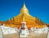 Shwezigon Paya, Bagan, Мьянма. Стоковые Изображения