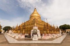 Shwezigon Paya i Bagan Arkivfoton