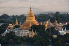 Shwezigonpagode - Bagan - Myanmar stock fotografie