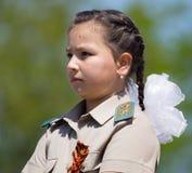 Shymkent, ΚΑΖΑΚΣΤΑΝ - 9 Μαΐου 2017: Στρατιώτης κοριτσιών Η γιορτή της νίκης του κόκκινου στρατού και των σοβιετικών ανθρώπων Στοκ Εικόνα