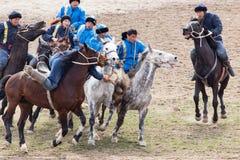 Shymkent, il KAZAKISTAN - 22 marzo 2017: Celebrazione della festa kazaka NARIYZ Concorsi sui cavalli Immagini Stock Libere da Diritti