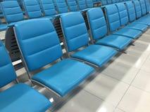 Siège d'aéroport dans l'aéroport terminal Photographie stock
