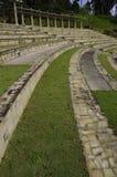 Sièges incurvés par amphithéâtre photographie stock libre de droits