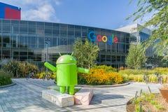 Sièges sociaux d'entreprise et logo de Google Images libres de droits
