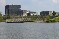 Sièges sociaux de Krupp derrière le lac image libre de droits