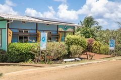 Sièges sociaux de projet de dauphin de fileur de Golfinho Rotador au village de Boldro - Fernando de Noronha, Pernambuco, Brésil images libres de droits