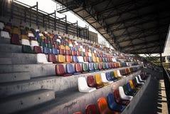 Sièges verts de stade Images stock