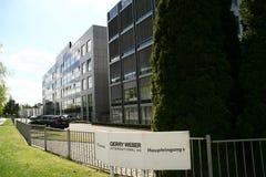 Siégez Gerry Weber, industrie textile, Halle, Allemagne Photo libre de droits