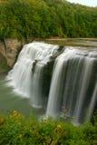 się kaskadą wodospadu Obrazy Royalty Free