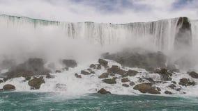 Siła woda i władza natura w pięknych siklawach zbiory