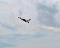 Siły Powietrzne thunderbirdów pokaz lotniczy - Przerzedże samolot Zdjęcie Stock