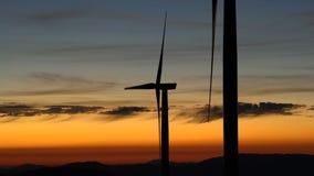 Siły wiatru technologia Zielona technologia, rozwiązanie, czysty i energia odnawialna - turbina, wiatraczek, produkcja energii - zbiory