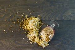 Si è sbriciolato al riso a terra, piselli, grano saraceno Fotografia Stock Libera da Diritti