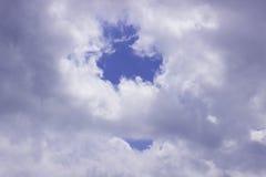 Si apanna il cielo blu Fotografie Stock Libere da Diritti