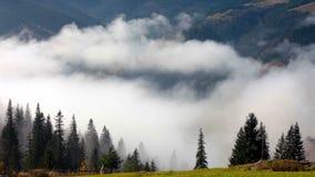 Si appanna il lasso di tempo Paesaggio della montagna Riscaldamento globale 1920x1080 archivi video