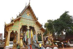 Si Mongkol-Tempel Wat Kong ist schöne Lanna-Architektur lizenzfreie stockfotos