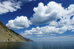 Si rannuvola il lago Baikal Immagine Stock