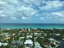 Si rannuvola il mare blu profondo Fotografia Stock Libera da Diritti