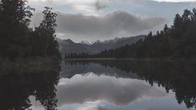 Si rannuvola la montagna Nuova Zelanda stock footage