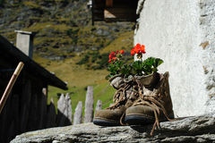 Si vous ne voulez pas plus de bottes de marche sont toujours utiles Photographie stock libre de droits
