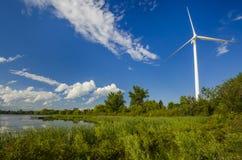 Siła wiatru wytwarza stacje w parku Zdjęcia Royalty Free