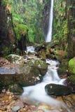 siły gromadzkiej jeziora skali wodospad wielkiej brytanii Obrazy Royalty Free