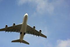 SIA A380-800 enlèvent l'aéroport de Zurich Image stock