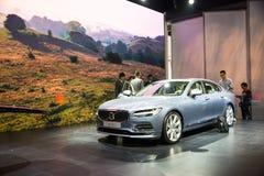 Ásia China, Pequim, exposição do automóvel do international 2016, salão de exposição interno, automatizado conduzindo carros da p Fotografia de Stock