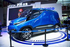 Ásia China, Pequim, exposição do automóvel do international 2016, salão de exposição interno, Iveco, carro do conceito da VISÃO Imagens de Stock