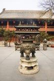 Ásia China, Pequim, queimador de ŒIncense do ¼ do architectureï de ŒLandscape do ¼ do ï de White Cloud Temple Foto de Stock
