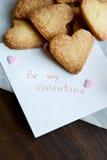 Sia miei Valentine Note e mazzo di biscotti a forma di cuore Fotografia Stock Libera da Diritti