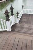 Siamesische Art der hölzernen Brücke Stockbilder