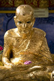 Siamesische buddhistischer Tempel-goldene Statue Stockbild