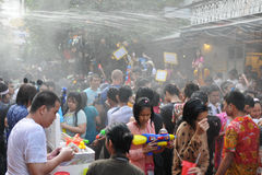 Siamesische neues Jahr-Feiern in Bangkok Stockfotos
