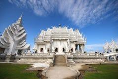 Siamesischer Tempel benannte Wat Rong Khun bei Chiang Rai, Th Stockfotos