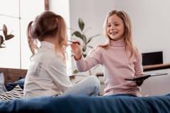 Siarczysty dzieci uzupełniać obrazy stock